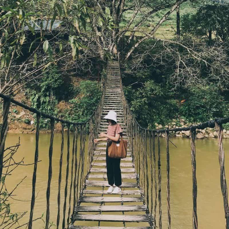 Check in cầu Mây - Cây cầu cổ độc đáo