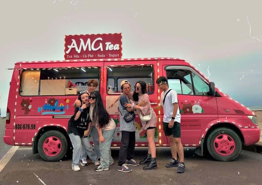 Chiếc xe này thì tên là AMG Milk Tea & Coffee nhé. Hình: Facebook AMG Milk Tea & Coffee