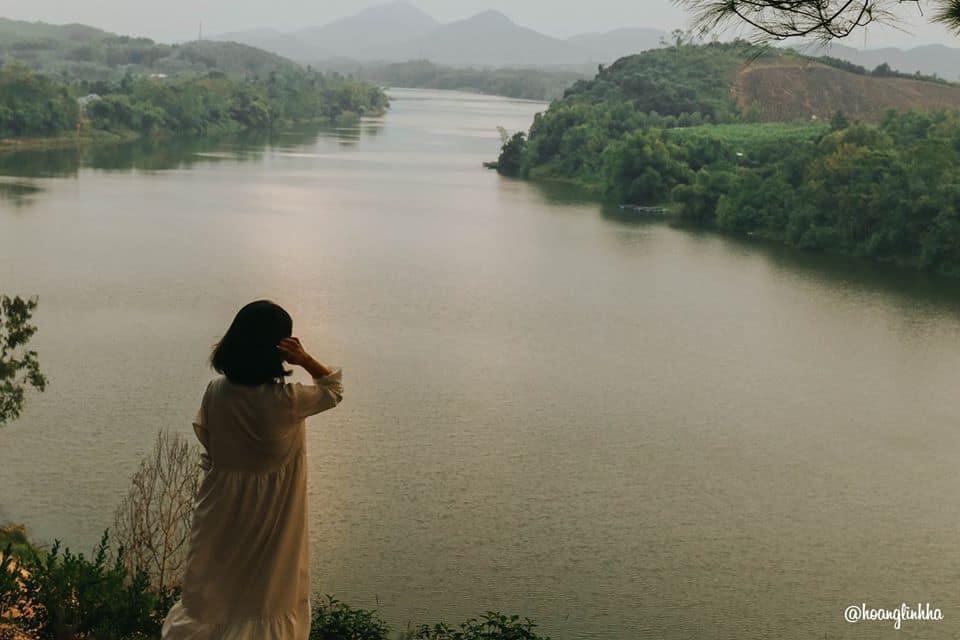 Đồi Vọng Cảnh vào những buổi chiều tà. Hình: Hoàng Linh Hà