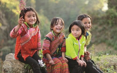 Tìm hiểu cuộc sống và bản sắc văn hoá độc đáo - Ngắm nụ cười hồn nhiên của những em bé vùng cao vô ưu