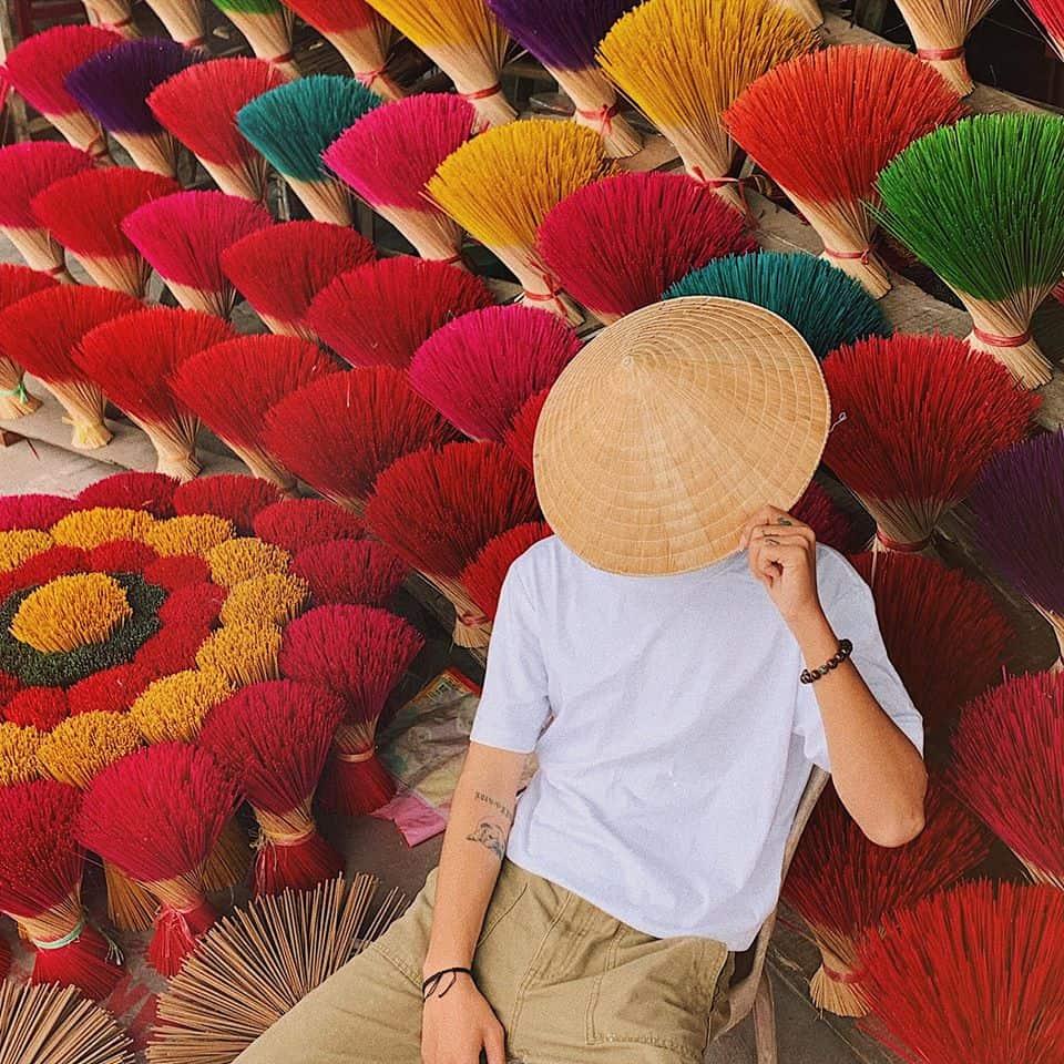 Làng Hương - điểm check-in đang thu hút các bạn trẻ. Hình: Bùi Huy Khang