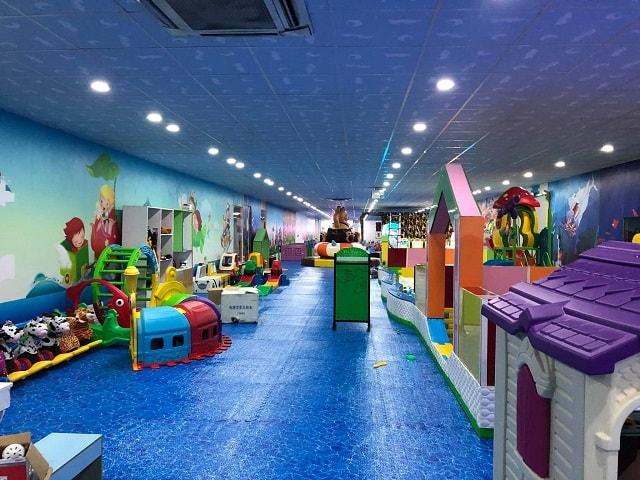 Khu vui chơi Thỏ Trắng Mega Market Cần Thơ