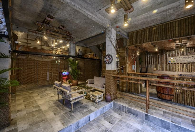 Mira Bãi Xếp sử dụng vật liệu chủ yếu là gỗ, tre, nứa