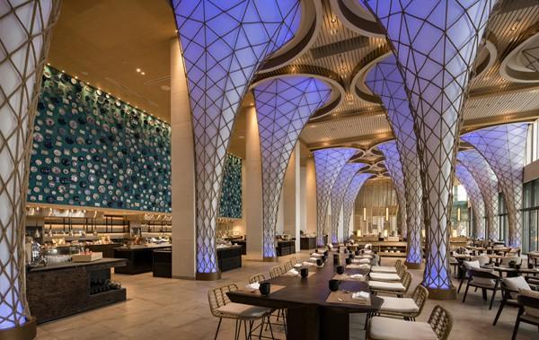 Không gian ẩm thực sang trọng và ấm áp nơi thưởng thức nền ẩm thực độc đáo