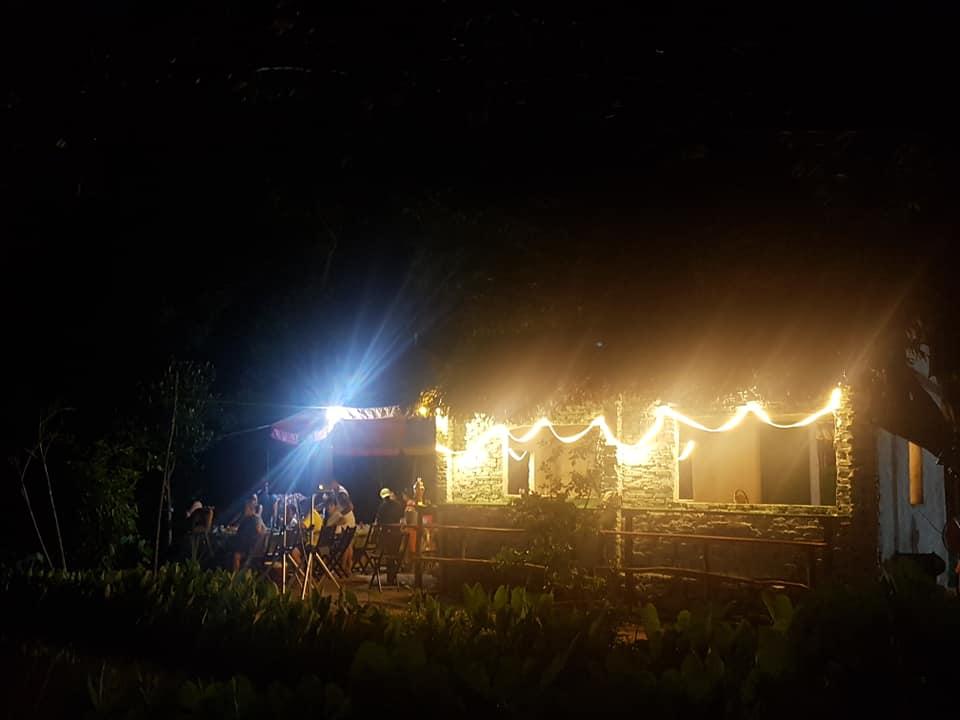 Ban đêm tại Nhất Lâm Thuỷ Trang Trà cùng những người bạn có cùng đam mê
