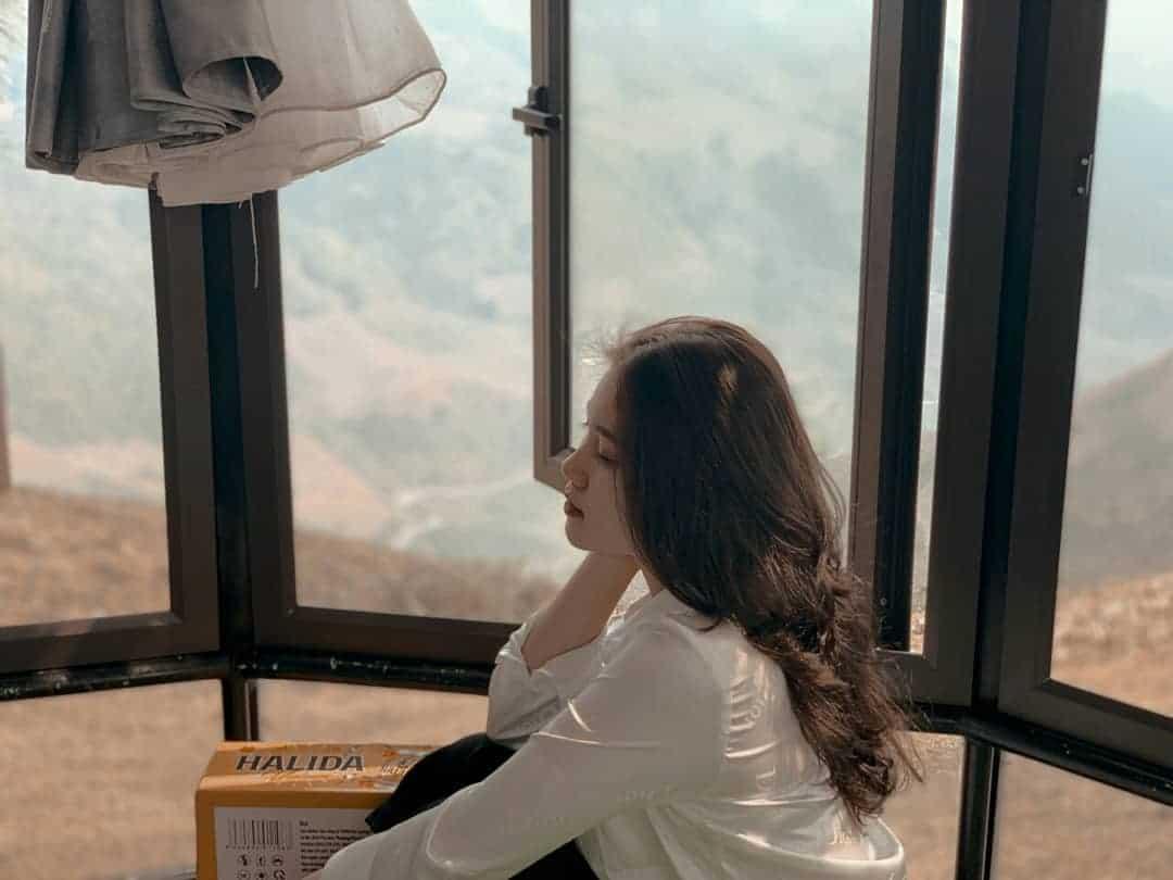 Từ trong phòng, bạn có thể tự do nhìn ngắm khung cảnh bên ngoài. Hình: @_khanhle_2002_