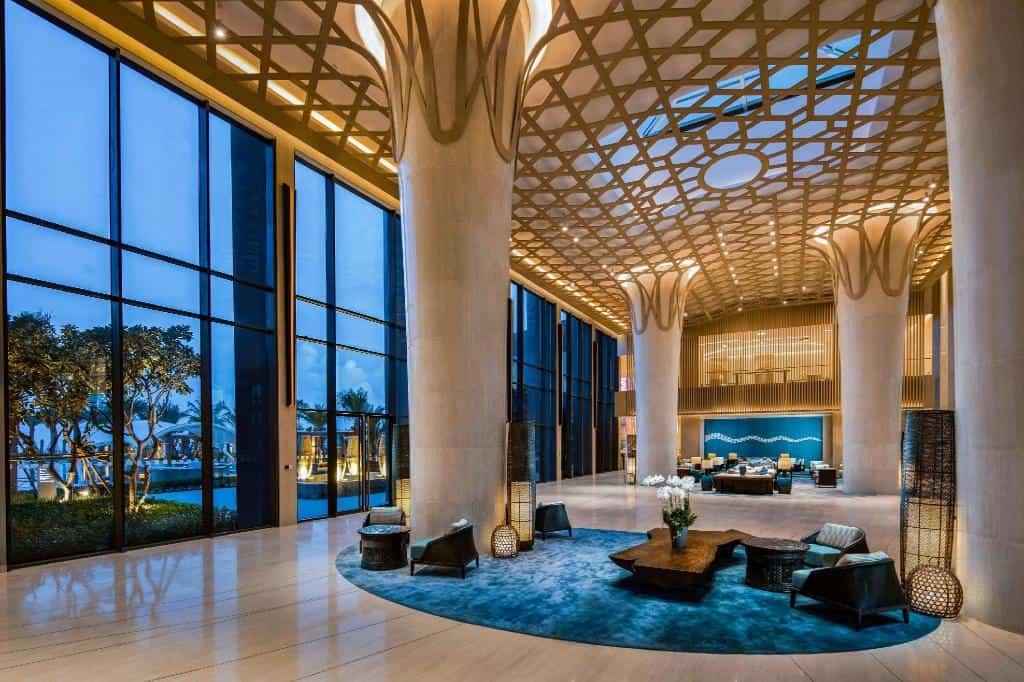 Thương hiệu nổi tiếng chính là điểm cộng lớn của Radisson Blu Resort Cam Ranh