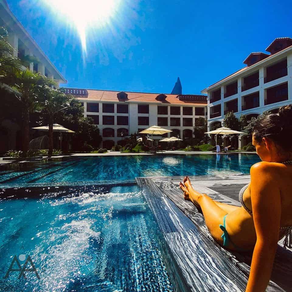 Bể bơi tại Senna Hue Hotel