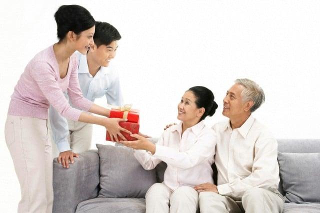 Tặng những món quà ý nghĩa thể hiện tình yêu thương