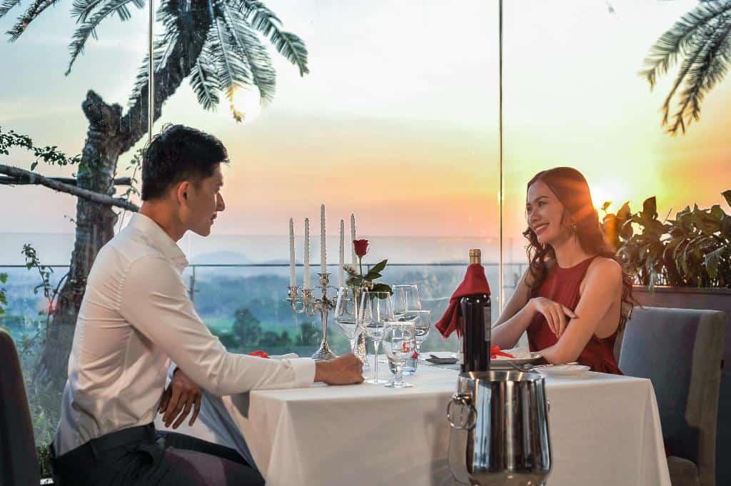 Tận hưởng không gian ẩm thực ấm cúng và lãng mạn
