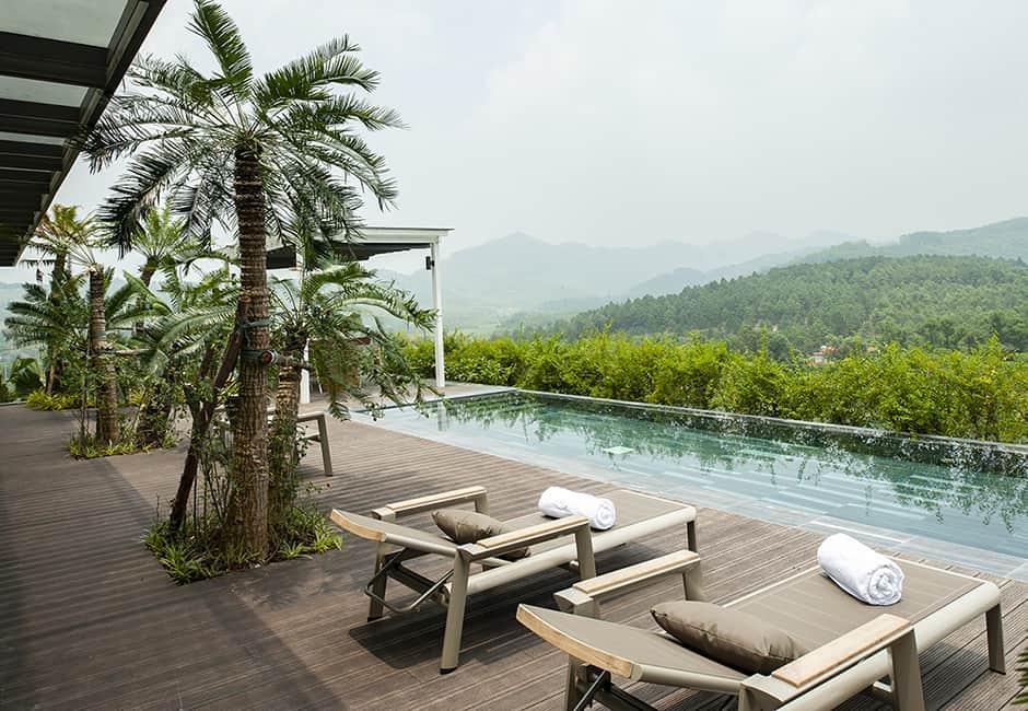 Dù ở trên cao, các căn biệt thự cao cấp Royal Suite vẫn sở hữu hồ bơi riêng