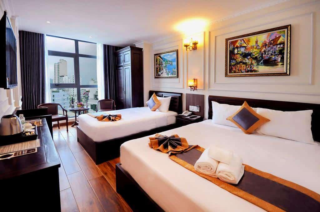 Phòng nghỉ rộng rãi, thoáng đãng với không gian sang trọng tại Apollo Hotel Nha Trang