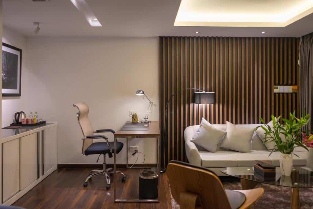 Phòng nghỉ mang màu sắc hiện đại vô cùng thanh lịch với đầy đủ tiện nghi