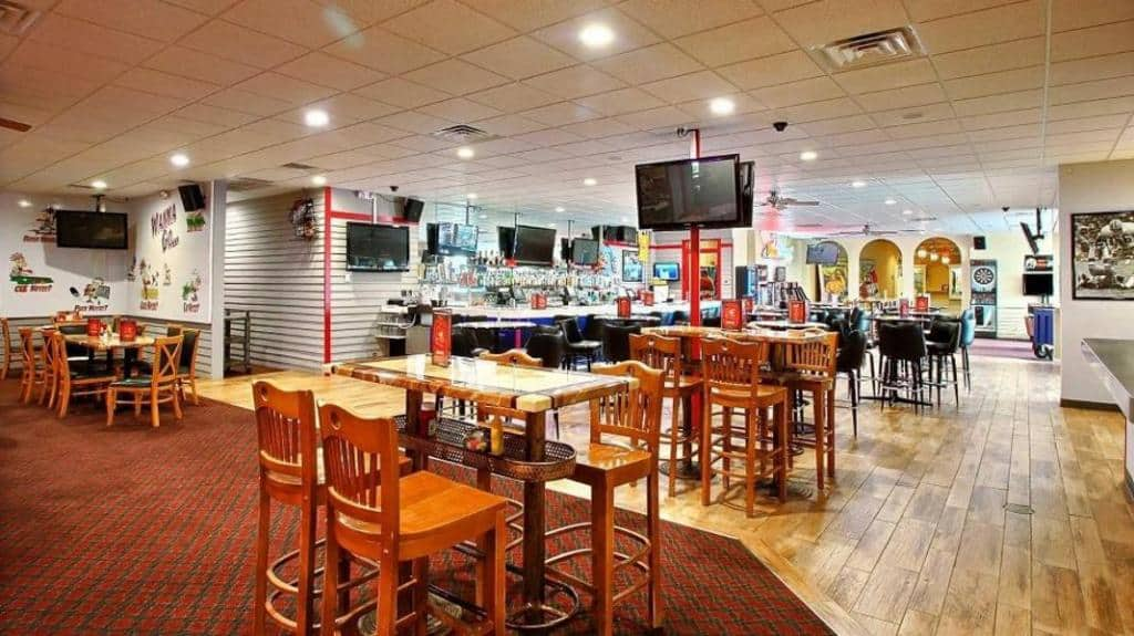 Nhà hàng Blueday bên trong Anova Airport Hotel