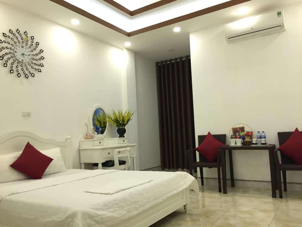 Thiết kế nội thất theo phong cách hiện đại với tông màu trắng nổi bật
