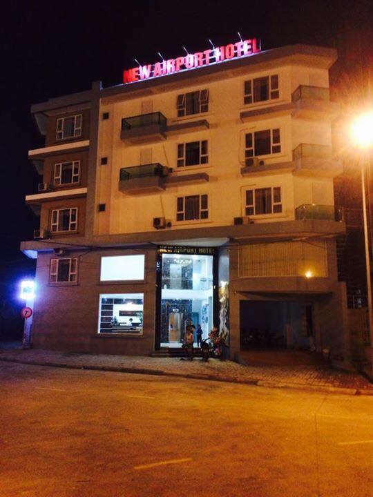 Quang cảnh khách sạn New Airport vào ban đêm