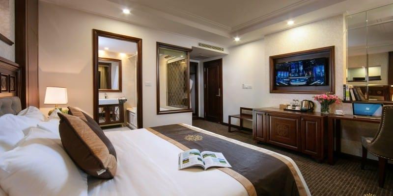 Hạng phòng Deluxe Double Bed với tiện nghi cao cấp và sang trọng. Nguồn: rexhanoihotel.com