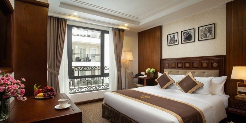 Phòng nghỉ ấm áp với giường đôi cực rộng, đầy đủ tiện nghi để du khách nghỉ ngơi