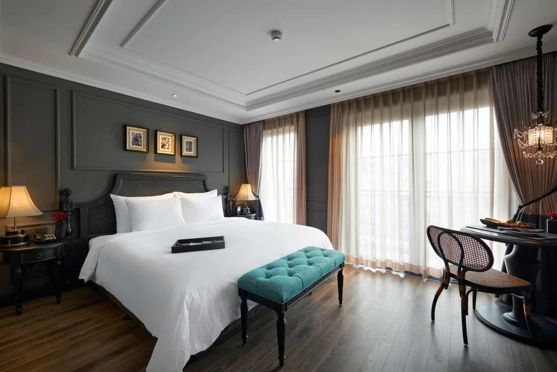 Phòng Junio Suites rộng rãi, không gian sang trọng nhưng vẫn tạo cảm giác ấm áp