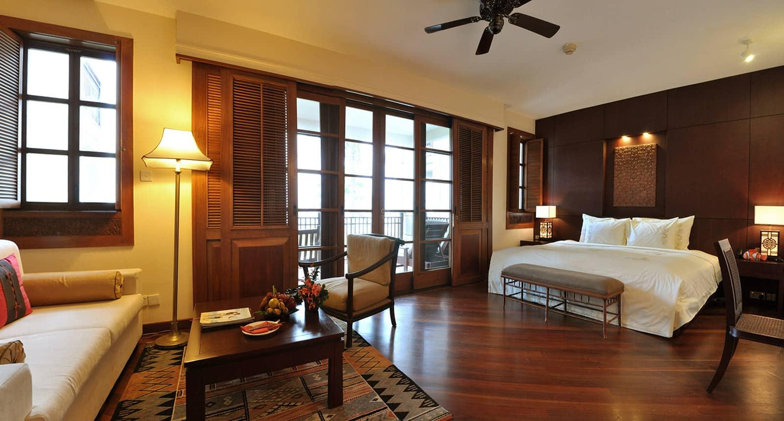 Căn phòng với thiết kế mang đậm nét truyền thống Việt
