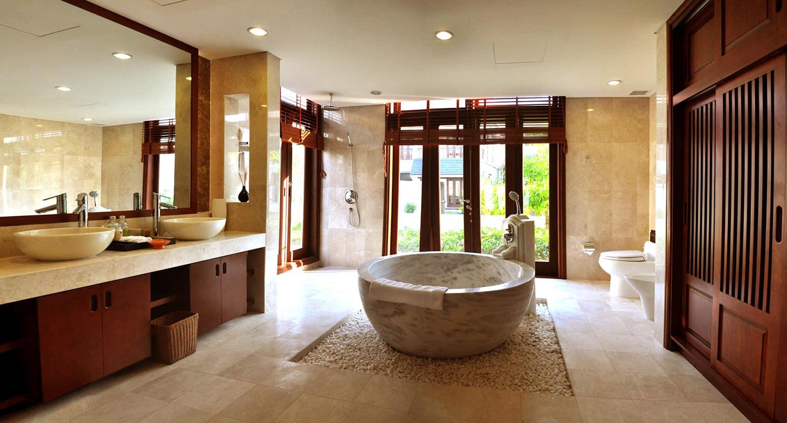 Phòng tắm vô cùng hiện đại và thoáng sáng