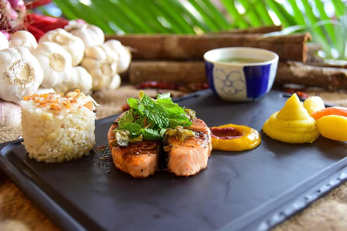 Món ăn tinh tế đang chờ đón du khách khi đến với Danaksara
