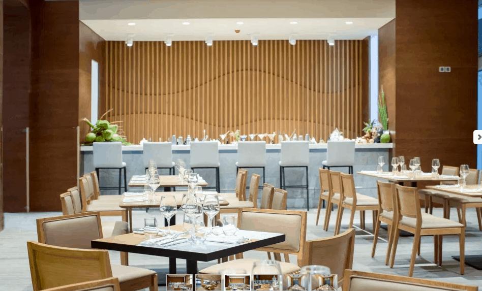 Không gian nhà hàng vô cùng sang trọng