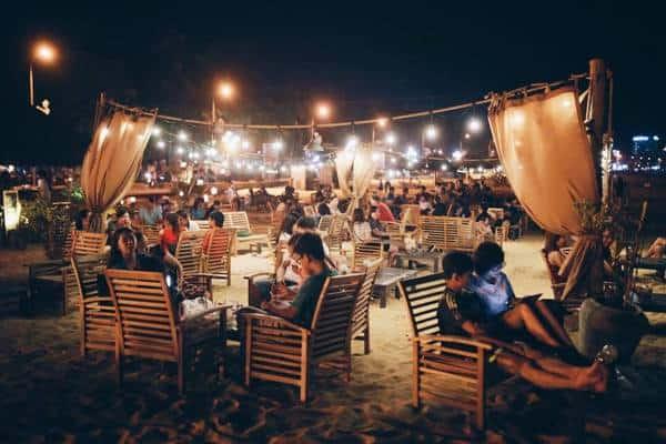 Điểm đến hẹn hò ngắm biển lý tưởng vào ban đêm ở Quy Nhơn - Nguồn ảnh: Internet