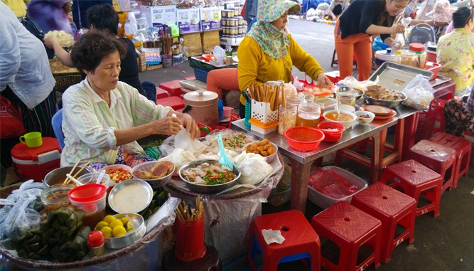 Ẩm thực độc đáo tại chợ Cồn Đà Nẵng - Ảnh ST