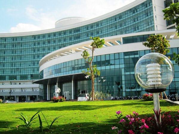 Kiến trúc bên ngoài bệnh viện ung thư Đà Nẵng - Ảnh ST