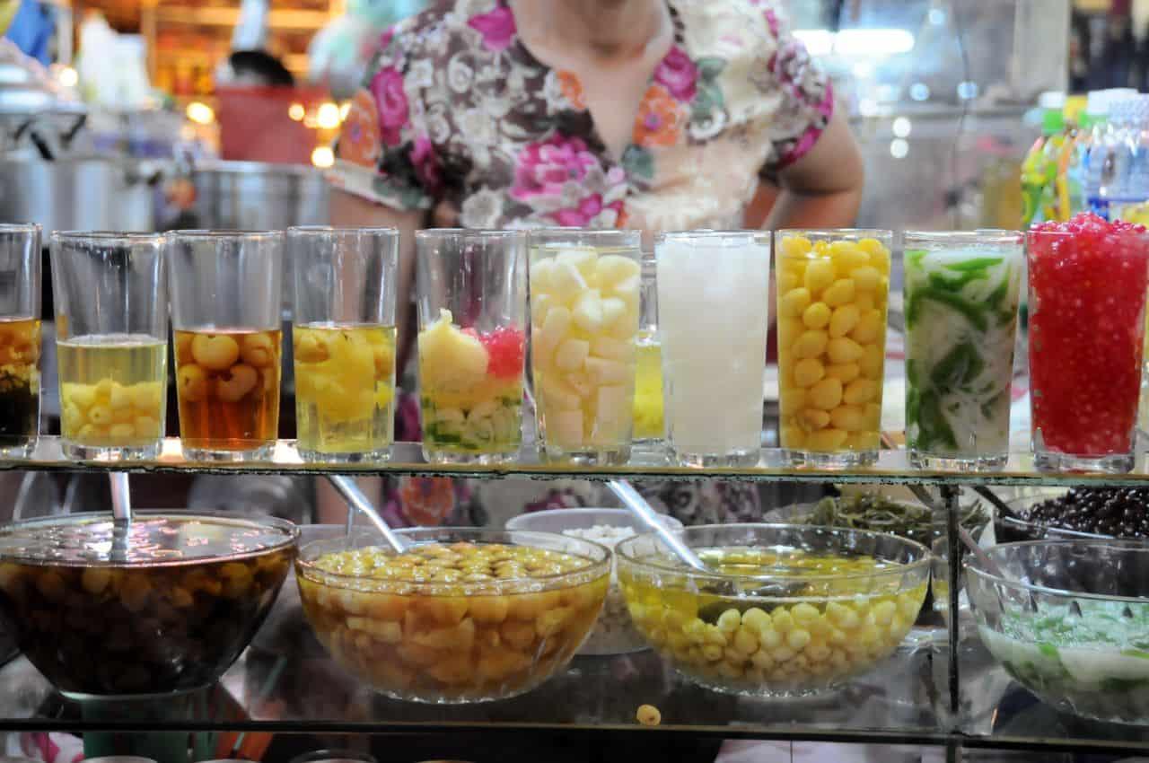 Muốn ăn chè gì cũng có chỉ cần đến phố ẩm thực Ngô Văn Sở mà thôi - Nguồn ảnh: Internet
