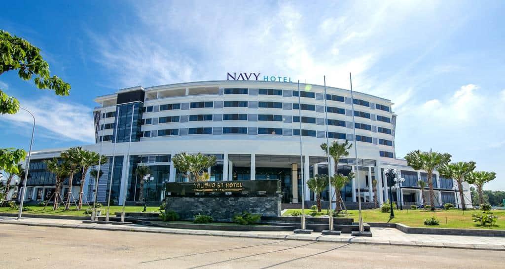 Quang cảnh khách sạn Navy Cam Ranh