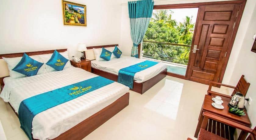 Nội thất phòng ngủ trang nhã bên trong Thái Bình Cam Ranh hotel