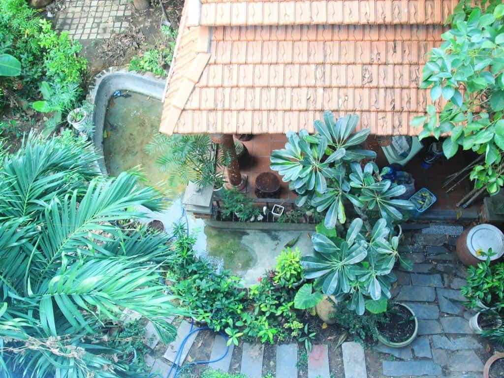 Khu vườn nhỏ của khách sạn Quán Quân nhìn từ trên cao