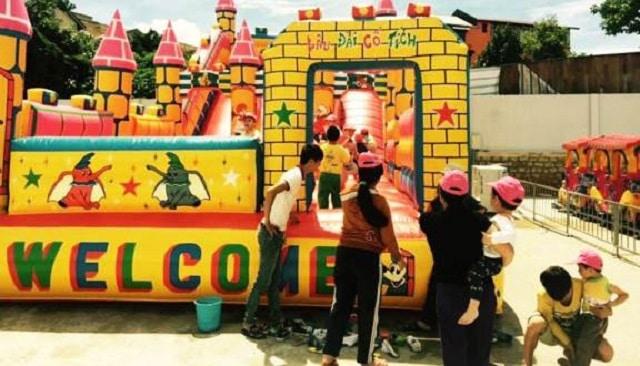 Khu vui chơi giải trí ngoài trời Xuân An cũng là một tổ hợp giải trí với nhiều trò chơi vô cùng hấp dẫn dành cho các bé