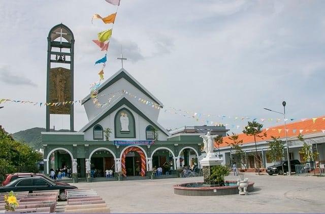 Nhà thờ Thánh Gia