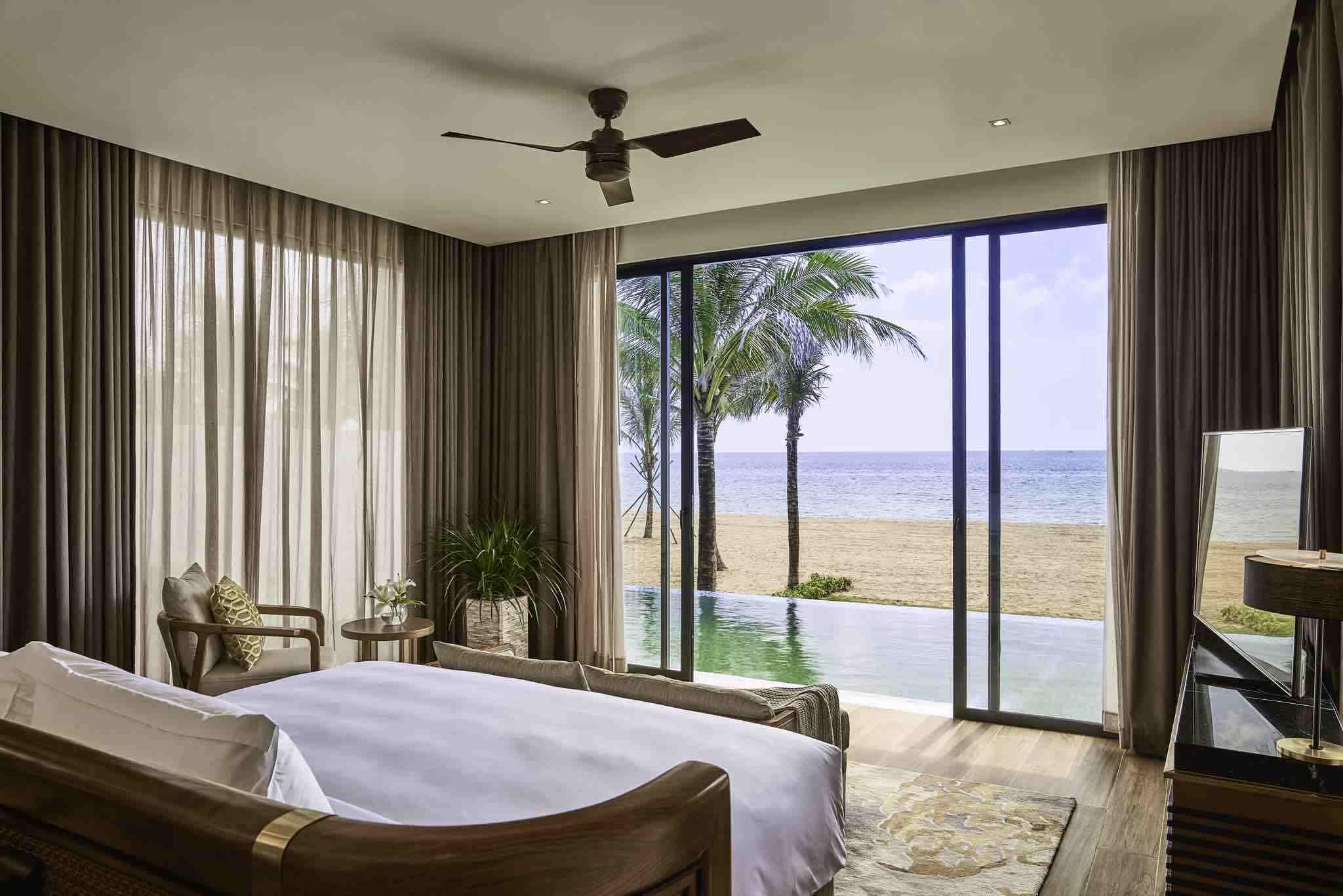 Du khách có thể chọn những phòng nghỉ ngay sát biển