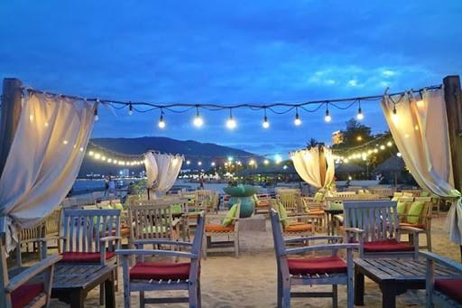 Khung cảnh được decor lãng mạn ở Sub Bar Quy Nhơn - Nguồn ảnh: Internet