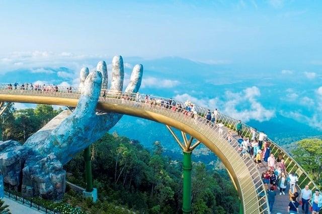 Đà Nẵng luôn là điểm đến hấp dẫn du khách bởi thời tiết dễ chịu, cảnh quan đẹp và nhiều món ăn ngon