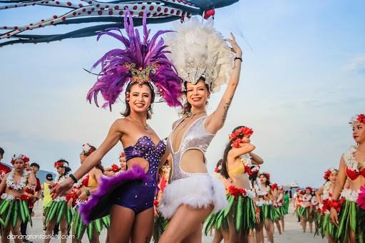 """Tháng 7 là thời gian diễn ra lễ hội """"Tuyệt vời Đà Nẵng 2020"""" cực đặc sắc - Nguồn ảnh: Internet"""