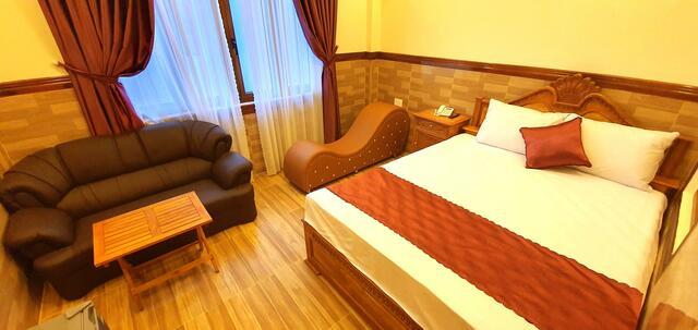 Không gian trong các phòng đôi của Đinh Loan Hotel
