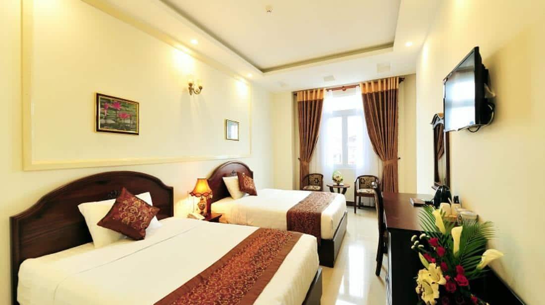 Phòng 2 giường đôi rộng thoáng và tiện nghi