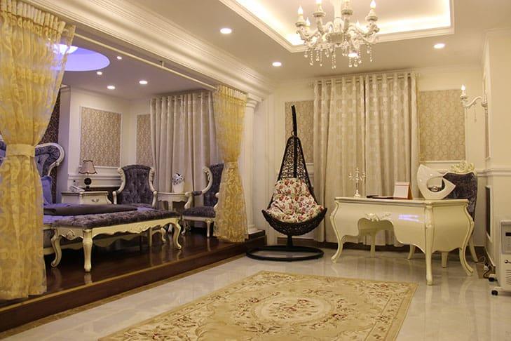 Phong cách hoàng gia của phòng nghỉ cao cấp nhất khách sạn
