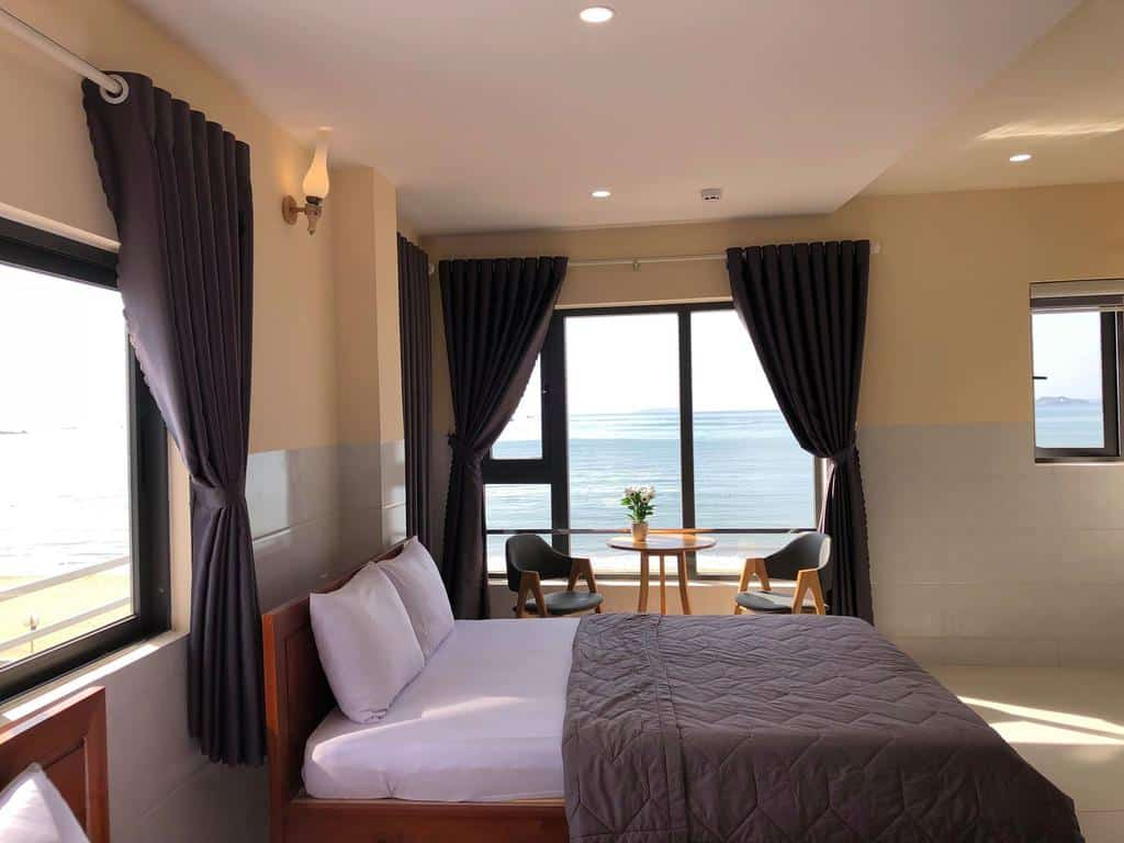 Phòng nghỉ rộng rãi và đầy tiện nghi của khách sạn