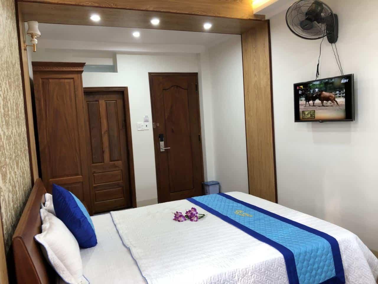 Phòng VIP 1 được trang bị nội thất tiện nghi