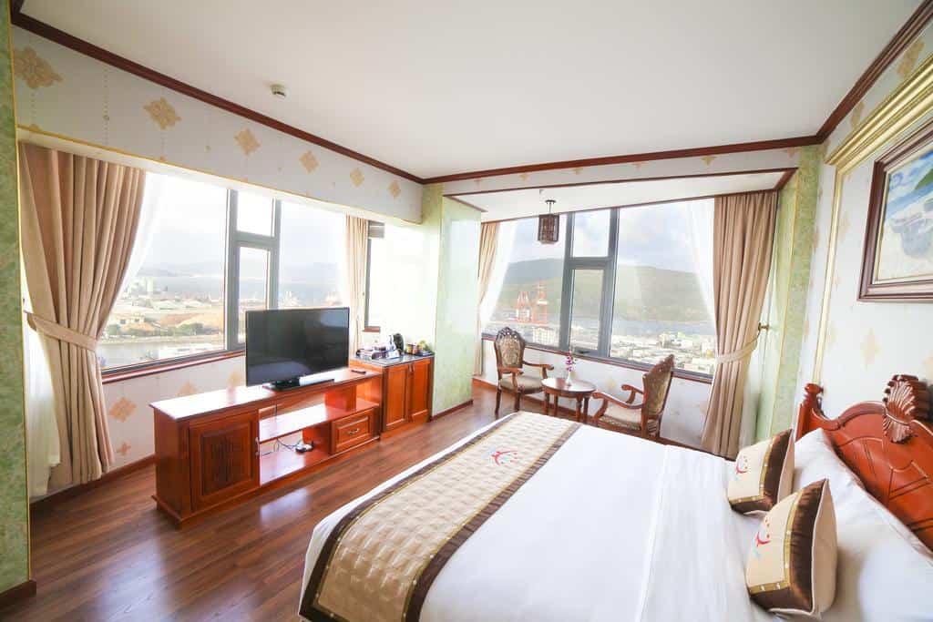 Các phòng nghỉ luôn đảm bảo ánh sáng và tầm nhìn đẹp ra biển cả