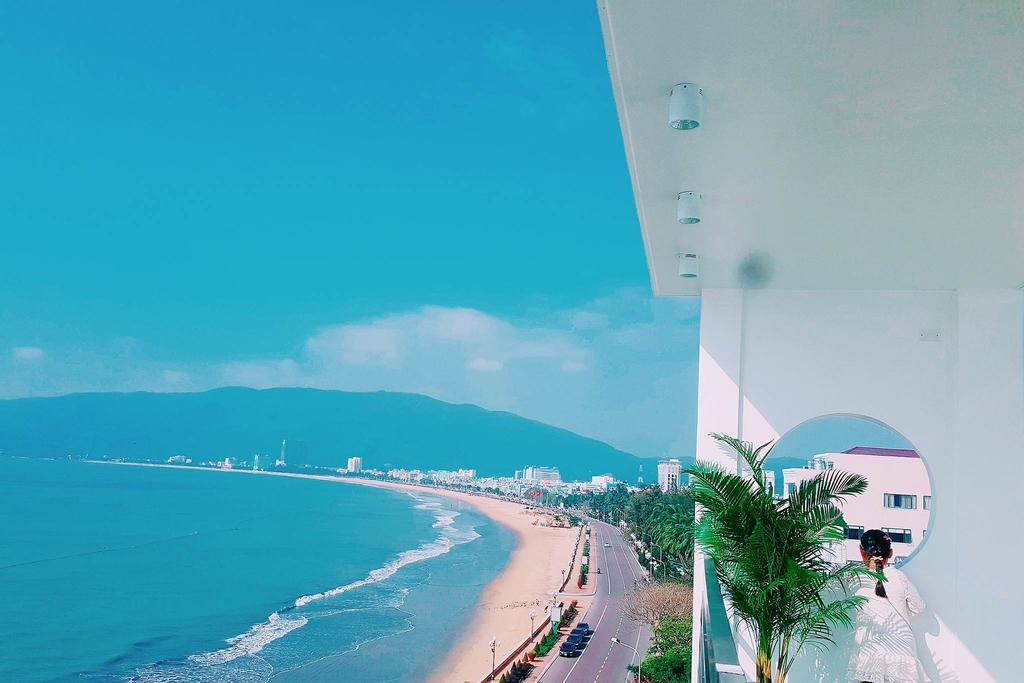 Tầm nhìn ra biển từ các khu ban công phòng nghỉ đầy thơ mộng