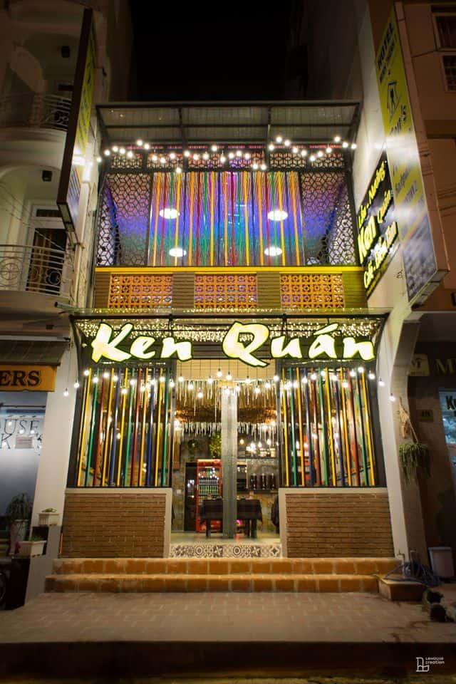 Nhà hàng Ken nằm bên cạnh khách sạn nhằm phục vụ nhu cầu ăn uống của du khách