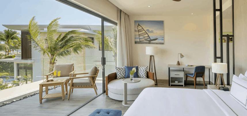 Các phòng ngủ tại biệt thự 3 Phòng ngủ The Level đều có ban công rộng hướng ra biển