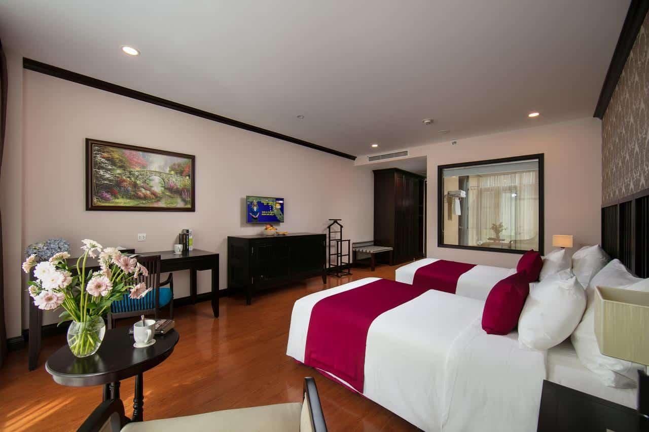 Phòng Deluxe Moutain View có không gian sang trọng và đầy đủ tiện nghi